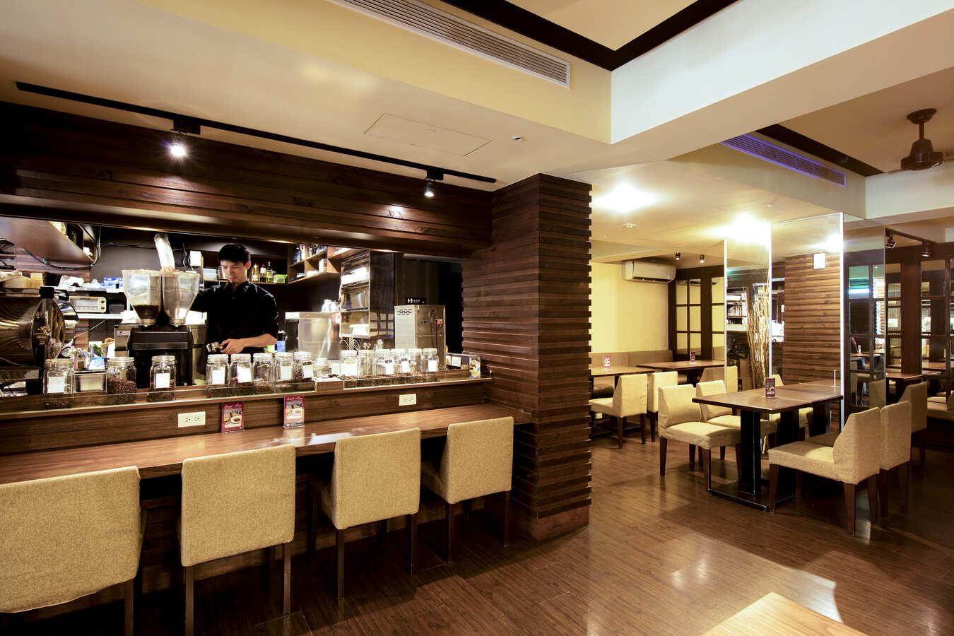 湛盧咖啡台大館